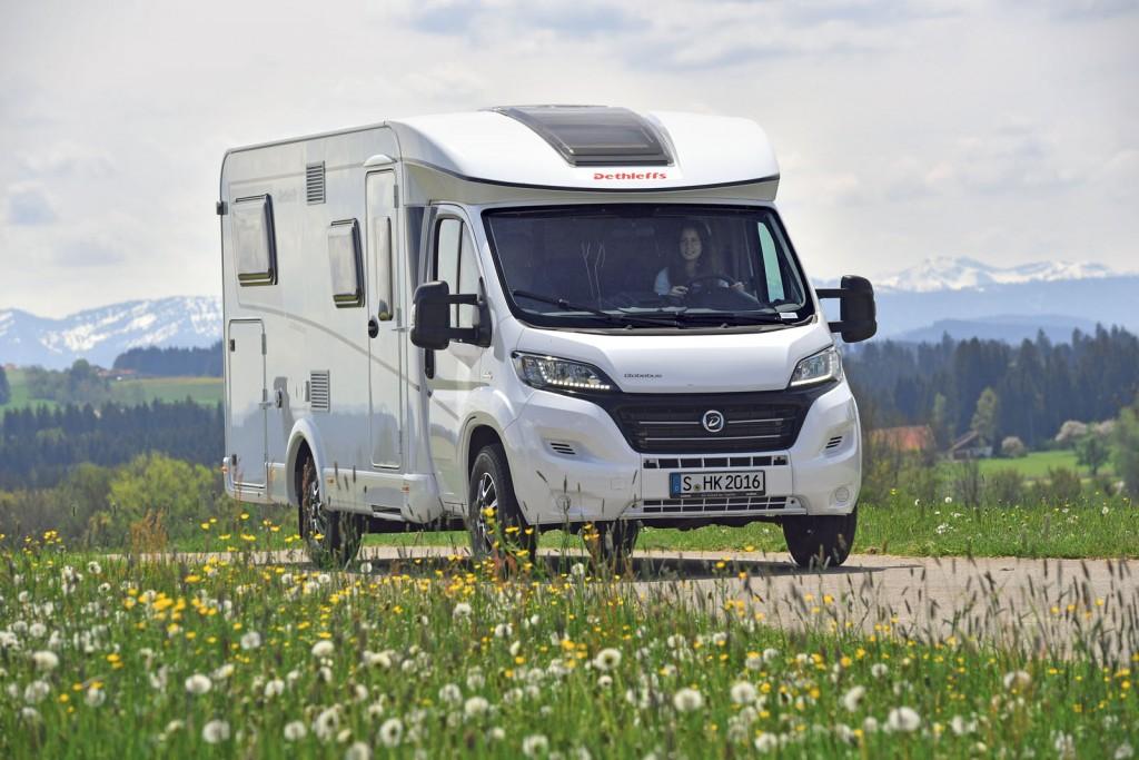 dethleffs globebus reisemobil international. Black Bedroom Furniture Sets. Home Design Ideas
