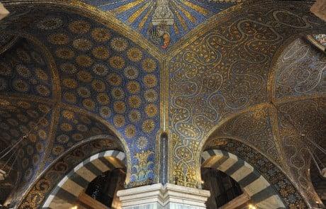 Dom in Aachen aus der Zeit der Karolinger