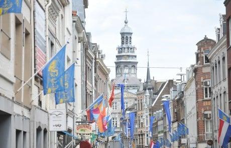 Maastricht in den Niederlanden ist eine alte, sehenswerte und sehr lebendige Stadt