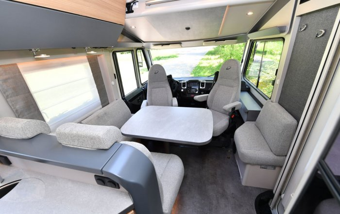 Neue Wohnmobile: Dethleffs Pulse 2019 Sitzgruppe