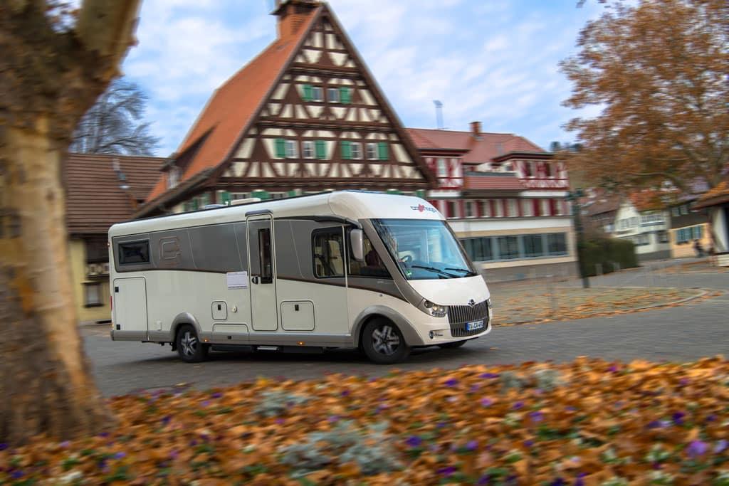 Carthago hat den Ruf, hochwertige, wohnliche, technisch anspruchsvolle Reisemobile zu bauen. An diesem Ruf muss sich der Chic CLine I 4.9 LE L Superior messen lasssen.